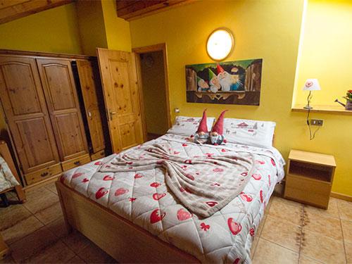 camera letto matrimoniale gnometti